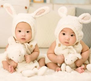 Kedai Online untuk Membeli Pakaian Bayi