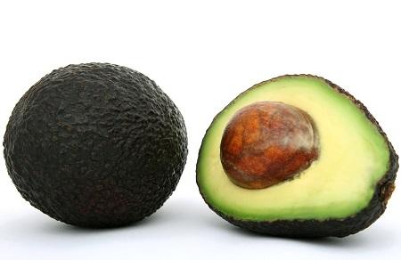 buah avokado anak sembelit
