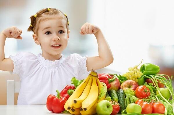 buah-buahan untuk tumbesaran kanak-kanak